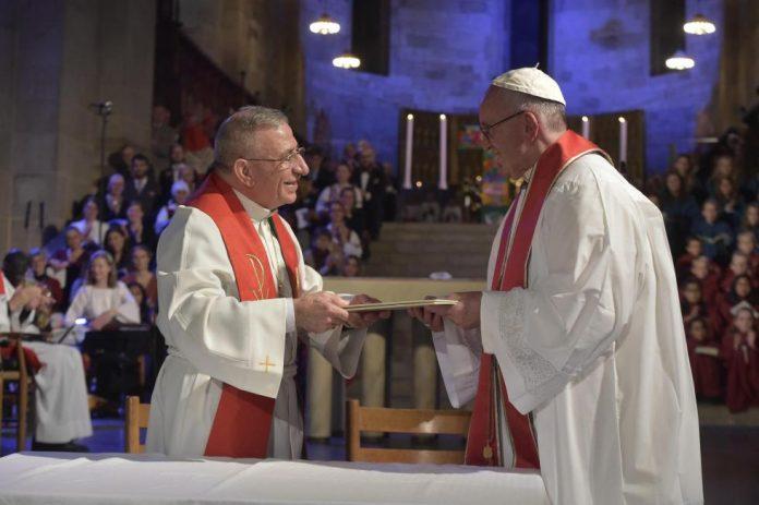 Papa Francisco e Presidente da Federação Luterana Mundial