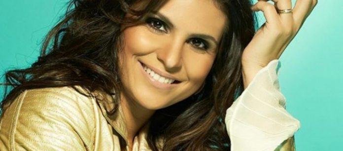 Cantora gospel Aline Barros
