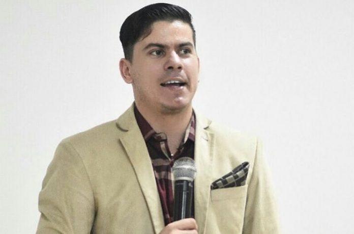 Pastor Mikael Lima de Oliveira tem três mandados de prisão em aberto