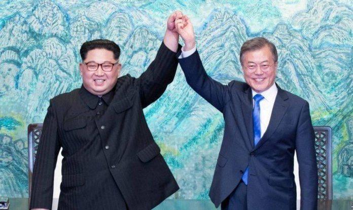Os líderes da Coreia do Norte e Coreia do Sul, Kim Jong-un e Moon Jae-in