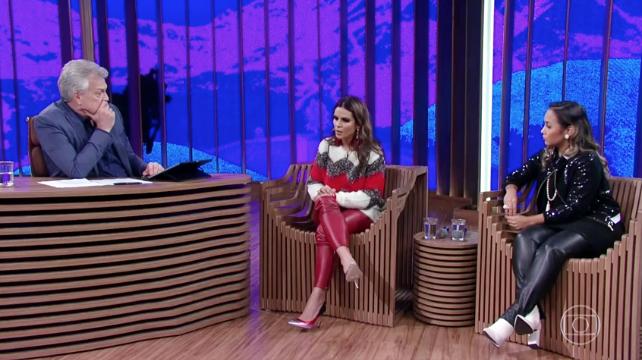 Aline Barros e Bruna Karla no programa