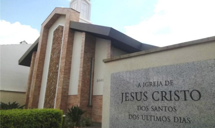 Fachada de uma igreja mórmon