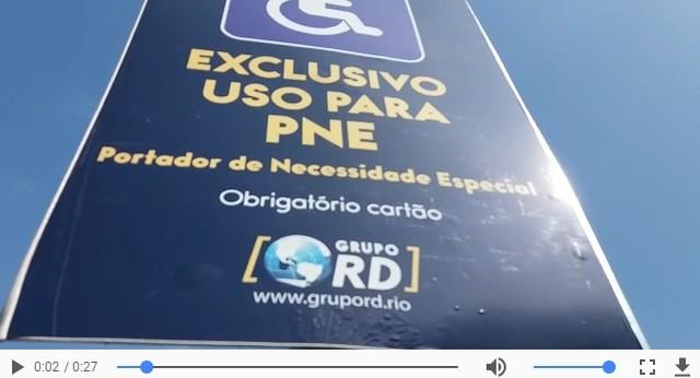 Placa de estacionamento na Lagoa, no Rio de Janeiro, onde falso vídeo diz que a administração é da Igreja Universal