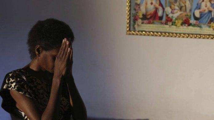X. abandonou o tratamento de HIV durante um mês, após orientação do pastor