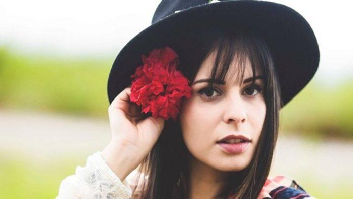 Cantora Marcela Taís