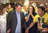 Jair Bolsonaro recebeu uma oração de Magno Malta antes de iniciar seu discurso na TV. (Foto: Reprodução/Globo)
