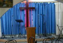 Igreja vazia na Argélia