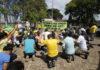 O pastor Wilbert Batista organizou uma espécie de culto evangélico em frente à Granja do Torto para o presidente eleito, Jair Bolsonaro, neste domingo 30 de dezembro de 2018. (Foto: DIDA SAMPAIO/ESTADAO)