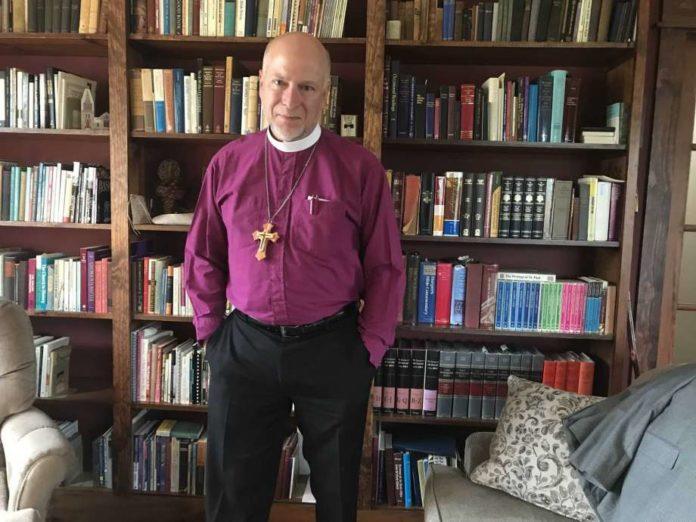 Bispo William Love, da Diocese Episcopal de Albany