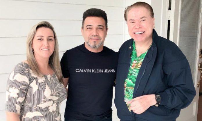 Pastor e deputado federal Marco Feliciano se emociona ao conhecer o apresentador Silvio Santos