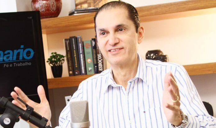 Carlos Apolinário era pastor e apresentador de um programa de rádio. (Foto: Rádio Vida)