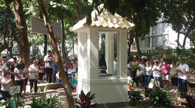 Oratório de Nossa Senhora Aparecida na Praça Milton Campos / Foto: Facebook