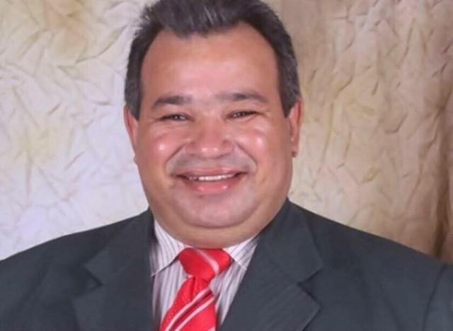 Pastor José Teles Carneiro Filho, de 50 anos, morreu durante culto no interior do Tocantins (Foto: Reprodução/Facebook)