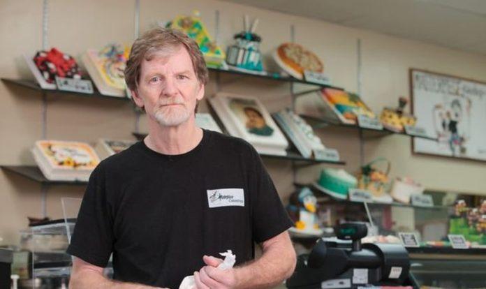 Jack Phillips, dono da confeitaria Masterpiece, está em sua terceira batalha judicial por causa de seus motivos religiosos. (Foto: Matthew Staver/USA Today)