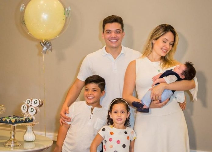 Wesley safadão com esposa e filhos