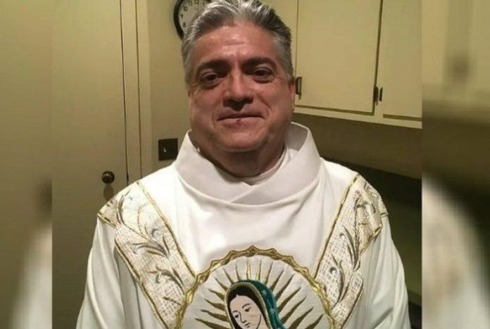 Padre confessou que roubaca fiéis - Paróquia da Ressureição / Reprodução