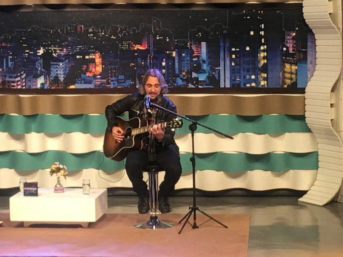 PG comemora 25 anos de carreira no programa Noite com os Adoradores de Deus na RIT TV