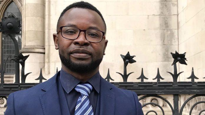 Félix Ngole, estudante de assistência social da Universidade de Sheffield.