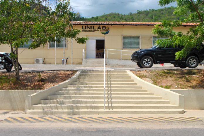 A Universidade da Integração da Lusofonia Afro-Brasileira (Unilab) lançou um vestibular voltado para pessoas transgêneras e intersexuais.