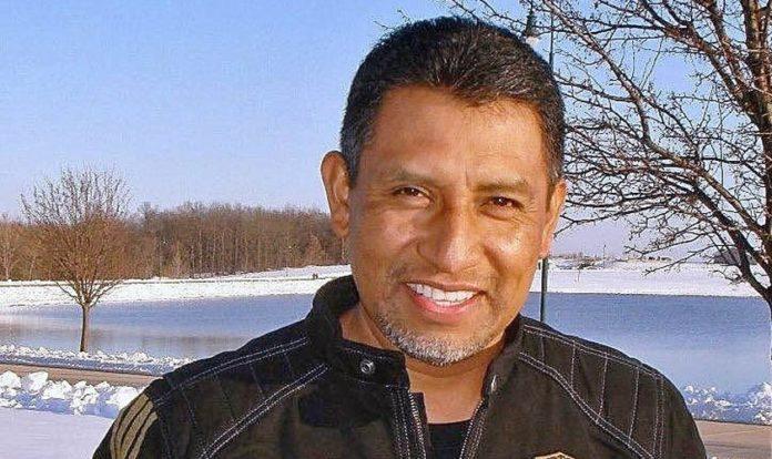 O pastor Alfrery Líctor Cruz Canseco foi morto na igreja. (Foto: Reprodução/NVI Notícias)