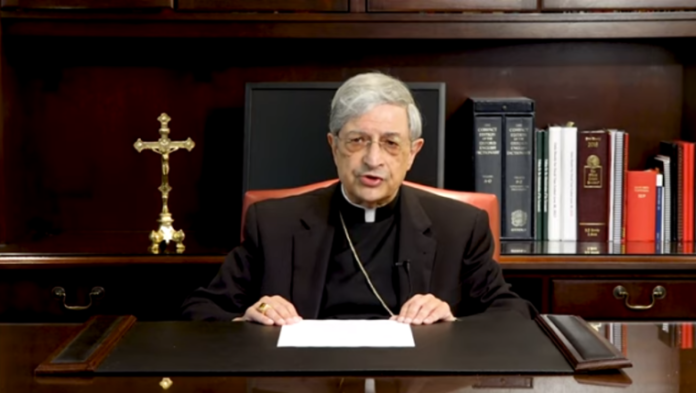 Bispo Salvatore R. Matano, da Diocese de Rochester.   Captura de tela: YouTube
