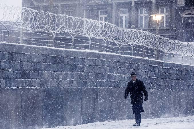 Muro de Berlim na cena do filme