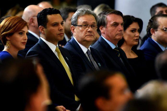 Bolsonaro e esposa participam de culto da Frente Parlamentar Evangélica