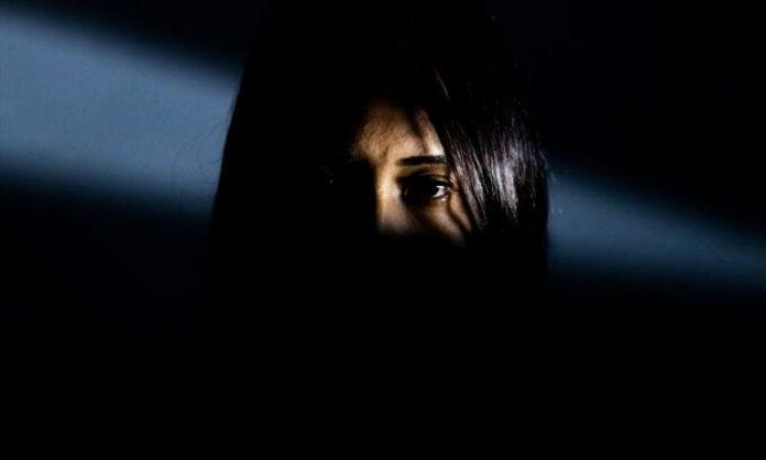 Ex-muçulmana se interessou pelo cristianismo após assistir um filme na escola