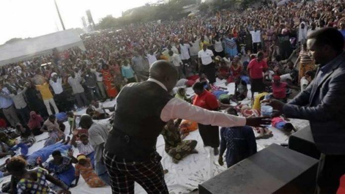 Pregador costuma reunir milhares de fiéis