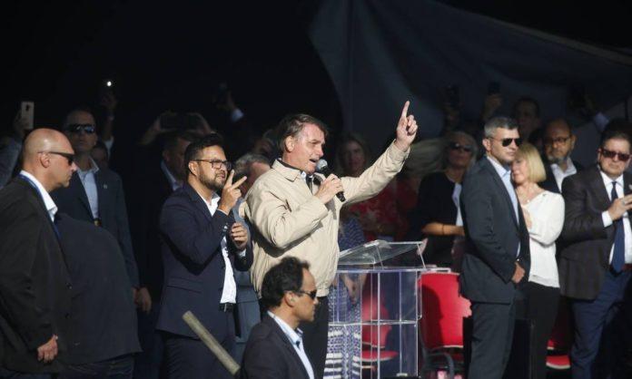 Presidente Jair Bolsonaro participa de evento da Igreja internacional da Graça de Deus, no Rio.
