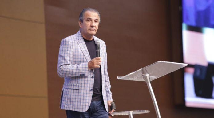 Pastor Silas Malafaia pregando na sua igreja Assembleia de Deus Vitória em Cristo