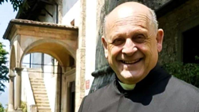 O padre Friar Don Giuseppe Berardelli - Divulgação