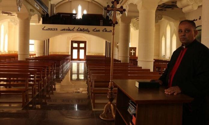 Igreja no Iraque vazia por causa do coronavírus COVID-19