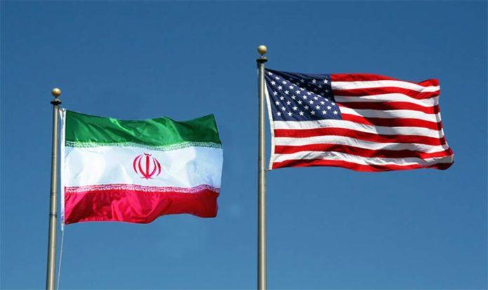 Bandeiras do Irã e dos Estados Unidos