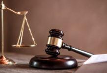 Martelo e balança, símbolos da justiça