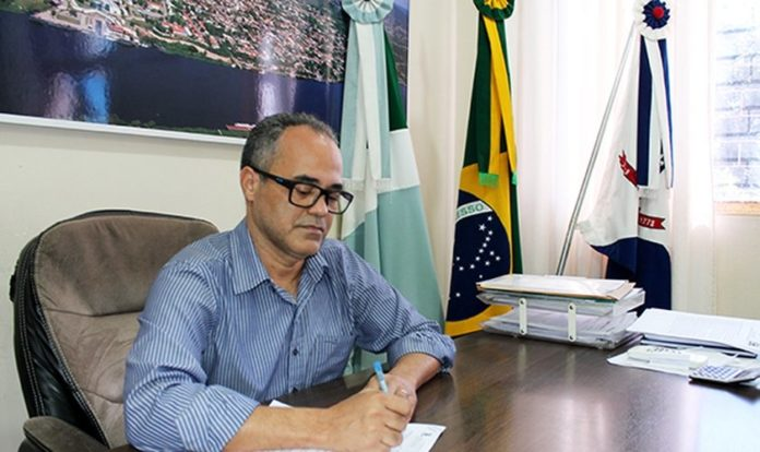 Iranil de Lima Soares, prefeito de Ladário, no Mato Grosso do Sul. (Foto: Assessoria de Comunicação PML)