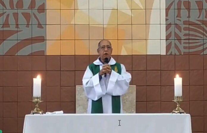 Padre Antônio Firmino, da paróquia São João Batista, em Visconde do Rio Branco, em Minas Gerais, desejou a morte de católicos que não estão indo à missa por causa da pandemia