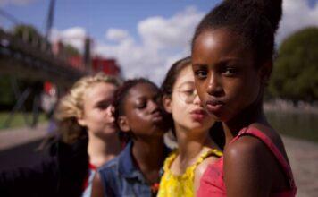 """Cena do polêmico filme """"Lindinhas"""" (""""Cuties""""), da Netflix, acusado de promover a pedofilia (Foto: Divulgação)"""