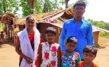 Pastor Munsi Thado morava com sua família em uma floresta, após terem sido expulsos de uma aldeia por causa de sua fé cristã. (Foto: International Christian Concern)
