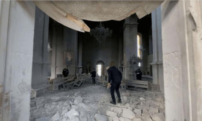 Catedral de Ghazanchetsots em Shushua, na Armênia, foi bombardeada.
