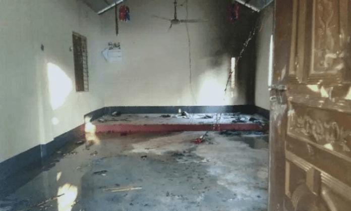 Igreja destruída em Bangladesh