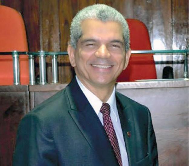 Dr. Gilberto Garcia é colunista do FolhaGospel.com