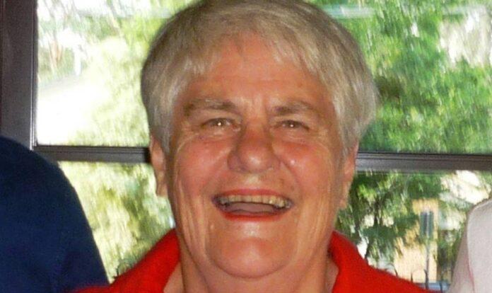 Joyce passou a viver uma nova vida aos 79 anos, quando se entregou a Jesus. (Foto: Eternity News)