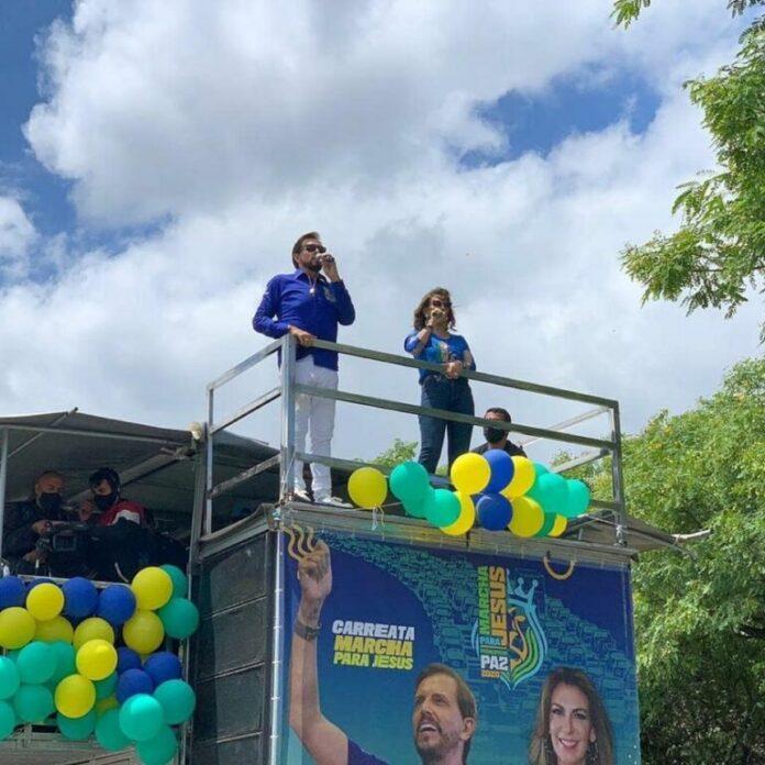 Estevam e Sonia Hernandes, líderes da Igreja Renascer em Cristo, comandaram a carreata da Marcha para Jesus 2020