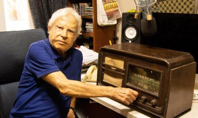 A Rádio Conhecer, de Cid Moreira, terá programação 24 horas transmitida via internet. (Foto: César Abreu/Divulgação)