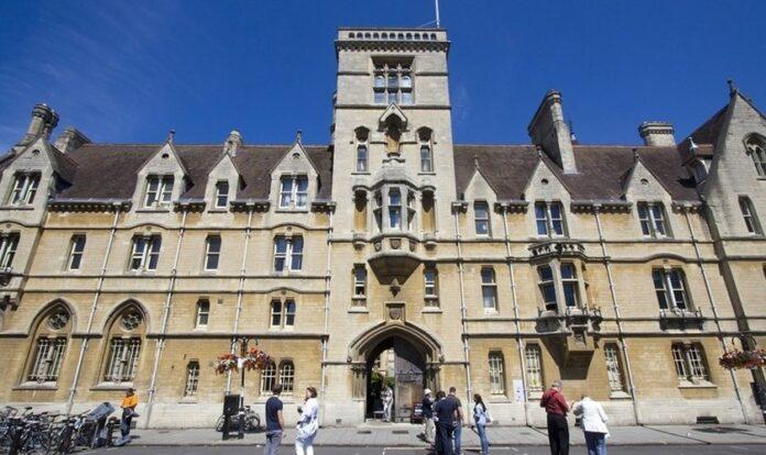 Prerrogativa de ensino bíblico na Oxford Inter-Collegiate Christian Union foi defendido por Instituto Cristão. (Foto: Reprodução / iStock)