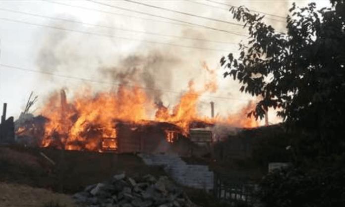Igreja incendiada no Sudão (foto representativa)