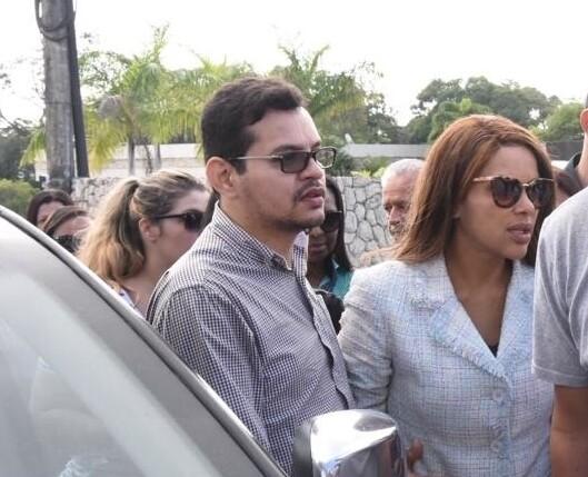 Flávio dos Santos e a deputada Flordelis Foto: Samuel Santos