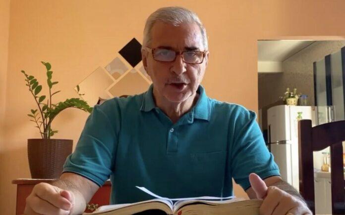 O jornalista e pastor Adão Nereu Barbosa faleceu aos 62 anos de covid.