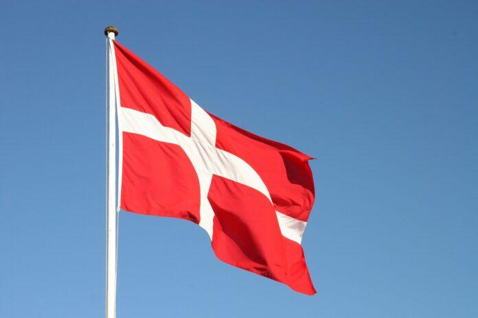 Bandeira da Dinamarca (Imagem de torben7400 por Pixabay)